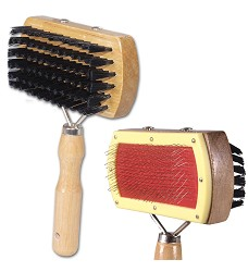 01814 Two-sided wire brush with bristles, wooden handle 17x10cm
